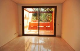 Bank repossessions residential in Spain. Comfortable apartment with a parking, Estepona, Spain