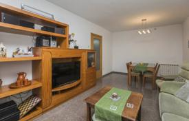 Residential for sale in Sant Pol de Mar. Three-bedroom apartment Sant Pol de Mar, Catalonia, Spain