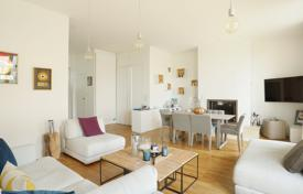 2 bedroom apartments for sale in Ile-de-France. Paris 16th District – A 3-room apartment with a superb terrace