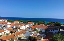 Cheap 3 bedroom apartments for sale in Catalonia. Apartment – Blanes, Catalonia, Spain