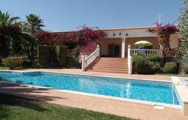 3 bedroom houses for sale in Faro. 3+ Bedroom detached villa with pool and ocean views near Lagos & Marina, West Algarve