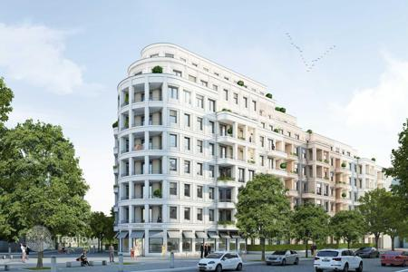 New home from developers for sale in Germany. Modern apartment in a new building on Kurfuerstenstrasse in an ecologically clean district of Schöneberg