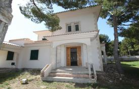 Spacious villa with a private garden and a parking, El Toro, Spain for 950,000 €