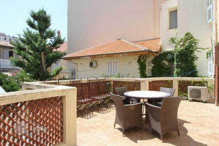 Luxury apartments for sale in Cannes. 3 bedroom apartment in the center of Cannes
