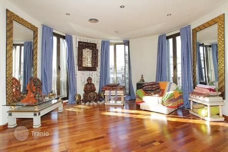 Apartments for sale in L'Eixample. Comfortable and bright apartment in the center of Barcelona