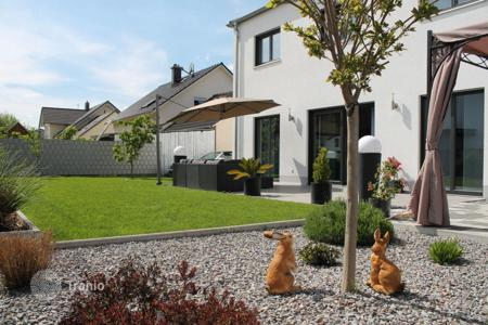 3 bedroom houses for sale in Germany. New modern house in a quiet district in Grossmehring