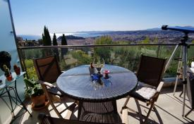 Apartments with pools for sale in France. Beautiful 2 bedroom Apartment with panoramic sea view