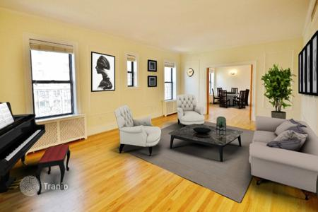 4 bedroom apartments to rent in USA. Luxurious 4 Bedroom Duplex Penthouse with Roof Deck on Park Ave