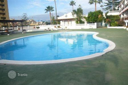 2 bedroom houses for sale in Tenerife. Villa – Los Cristianos, Canary Islands, Spain