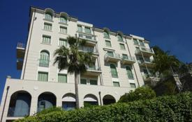 Coastal property for sale in Bordighera. Bordighera Apartment sEA vIEW For Sale