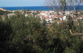 Coastal development land for sale in Zakinthos. Zakynthos. Tsilivi. Plot of 16.700sqm, with panoramic views on a small hill is for sale