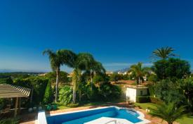 Luxury 3 bedroom houses for sale in Costa del Sol. Villa with Sea View — Elviria