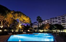 3 bedroom apartments for sale in Puerto Banús. The best complex in Puerto Banùs