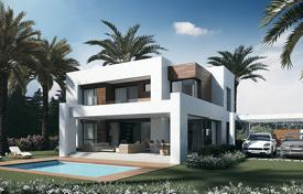 4 bedroom houses for sale in El Paraíso. Villa with garden, swimming pool, garage, in a residence close to golf courses, in El Paraiso, Malaga, Spain