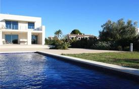 Coastal property for sale in Costa Dorada. Villa – L'Ametlla de Mar, Catalonia, Spain