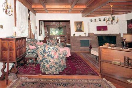 Luxury chalets for sale in Italian Alps. Chalet – Cortina d'Ampezzo, Veneto, Italy