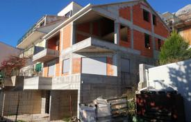 Property for sale in Dalmatia. Spacious villa with a plot, a parking, terraces and sea views, Omis, Croatia