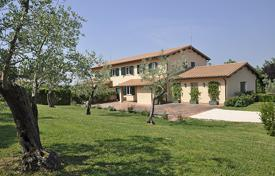 Villas and houses to rent in Rome. Villa Ottavia