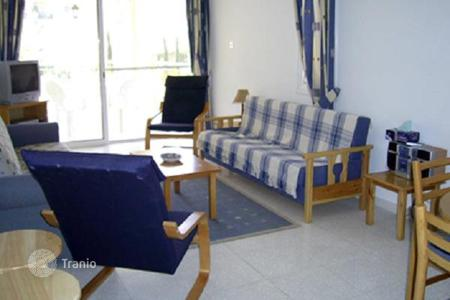 3 bedroom apartments by the sea for sale in Paphos. Furnished villa with a solarium, near the sea, Paphos, Cyprus