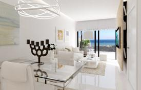 Coastal property for sale in Costa Blanca. New apartments with terraces and sea views in a comfortable residence with a pool, near the beach, Santa Pola, Costa Blanca, Spain