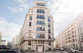 Luxury apartments for sale in Germany. New apartment with 3 terraces and high-end finishes in the central district of Berlin — Mitte