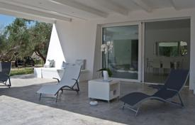 4 bedroom villas and houses by the sea to rent in Italy. Villa – Province of Lecce, Apulia, Italy