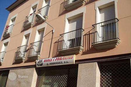 Cheap townhouses for sale in Catalonia. Terraced house – Gerona (city), Costa Brava, Spain