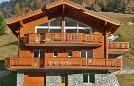 Residential to rent in Switzerland. Detached house – Leukerbad, Valais, Switzerland
