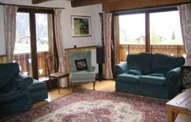 5 bedroom villas and houses to rent in Auvergne-Rhône-Alpes. Comfortable chalet with jacuzzi, sauna and parking in the ski resort of Chatel, France