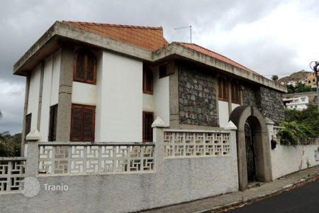 Foreclosed 6 bedroom houses for sale in Spain. Villa - Santa Brígida, Canary Islands, Spain