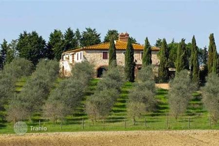 Luxury houses for sale in Asciano. Villa – Asciano, Tuscany, Italy