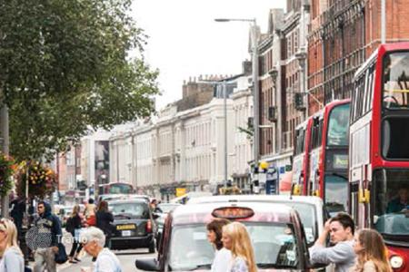 Commercial property for sale in London. Retail space on the King's Road in London with a yield of more than 4%!