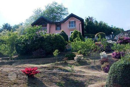 Coastal residential for sale in Pallanza. Villa – Pallanza, Piedmont, Italy