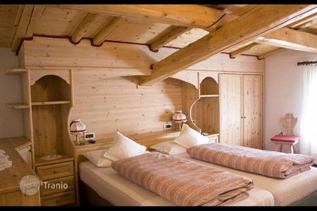 Commercial property for sale in Madonna di Campiglio. Hotel – Madonna di Campiglio, Trentino - Alto Adige, Italy