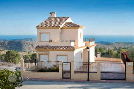 3 bedroom houses for sale in Busot. House with basement and sea views in Aigues, Alicante