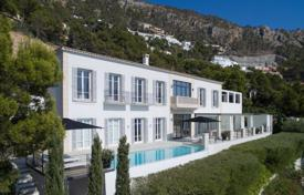 Luxury residential for sale in Majorca (Mallorca). Exclusive villa with a swimming pool, a garden, a garage, a terrace and panoramic sea views, in a prestigious area, Andratx, Mallorca, Spain