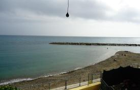 Coastal houses for sale in Santo Stefano Al Mare. Santo Stefano al Mare Villa Waterfront