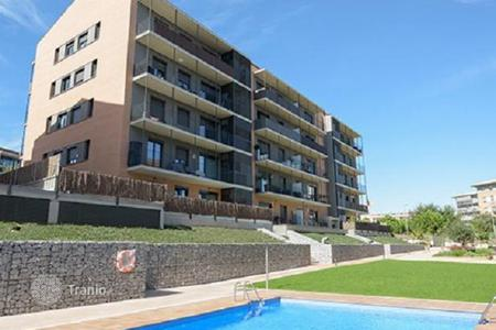 4 bedroom apartments for sale in Catalonia. Apartment with 4 bedrooms in the new building, Sant Cugat del Vallès, near the park Collserola