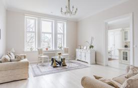 Apartments for sale in Finland. Comfortable apartment in a historic building with a beautiful view of the park, Helsinki, Finland