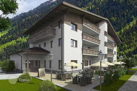 Cheap new homes for sale in Austria. Two-bedroom apartment in a complex with hotel management a few minutes away from the ski lift, Rauris