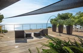 Eze-sur-Mer — Contemporary villa. Price on request