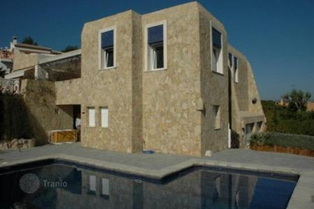 Luxury 6 bedroom houses for sale in Alicante. Villa of 6 bedrooms with private pool, garden and open views in Jávea
