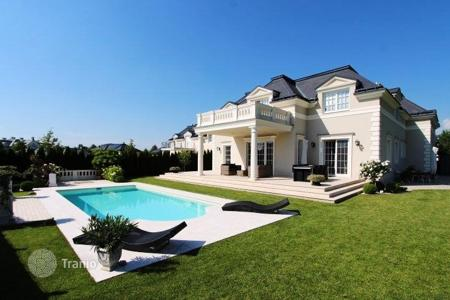 "Houses with pools for sale in Oberwaltersdorf. Villa in luxury resort at the golf club ""Fontana"" near Vienna, Austria"