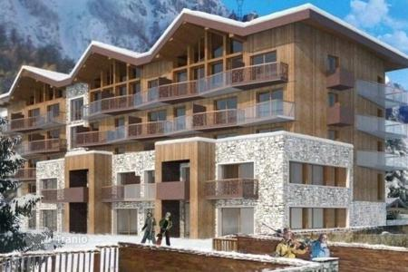 Property for sale in Val d'Isere. Attractive apartment with mountain view in Val d'Isere, Alps, France