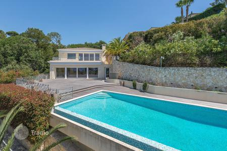 Luxury 6 bedroom houses for sale in Le Cannet. Wonderful modern villa in the Heights of Cannes