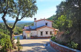 4 bedroom houses for sale in Catalonia. Villa – Lloret Blau, Catalonia, Spain