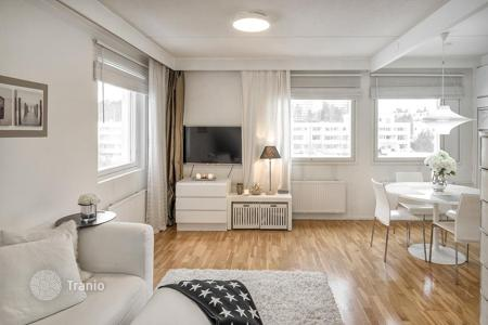 Coastal residential for sale in Espoo. Duplex apartment with a glazed terrace and a sea view, Espoo, Finland