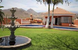 Houses with pools for sale in Aldea Blanca. Duplex villa with pool, garden and garage in Aldea Blanca, Tenerife