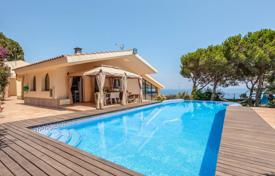Property for sale in Sant Feliu de Guixols. Spacious villa with a pool, a veranda and panoramic sea views, Sant Feliu de Guixols, Spain