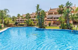 3 bedroom houses for sale in Andalusia. Stunning Duplex Penthouse in Albatross Hill Club, Nueva Andalucia